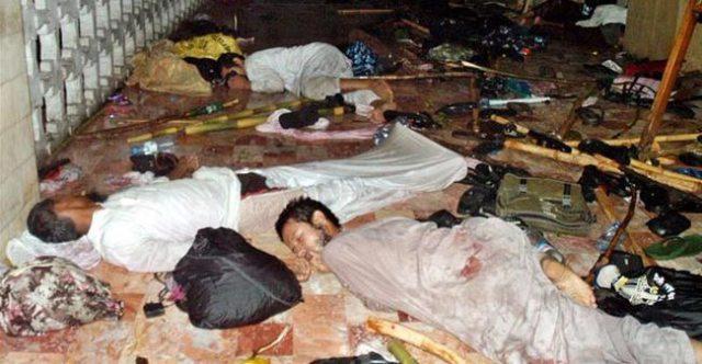 সম্মিলিত 'মুসলিম ঐক্য' ছাড়া এইবার বাঁচন নাই