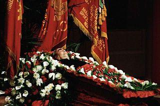 A_dead_Brezhnev